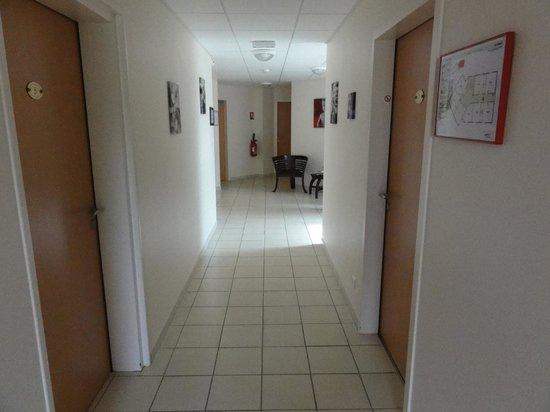 Le Rale Des Genets: 1st floor