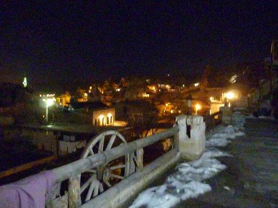 Star Cave Hotel: Goreme di notte vista dalla mia stanza