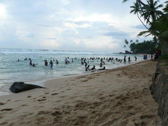Rockside Cabanas Hotel: Ausflug des Kinderheimes zum natürlichen Pool