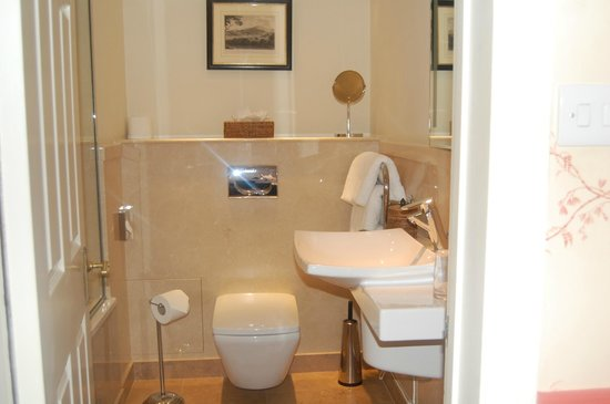 The Bath Priory: Peony Bathroom