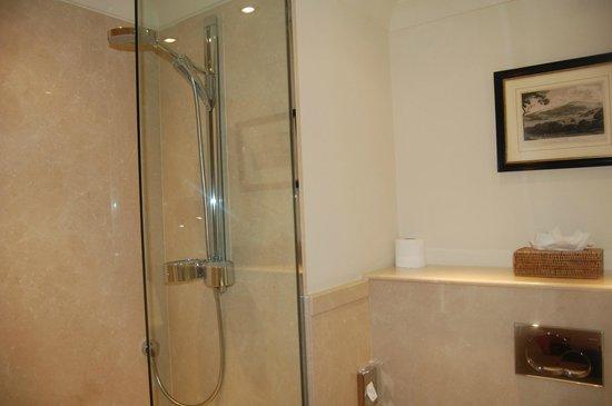 The Bath Priory Hotel: Peony Bathroom
