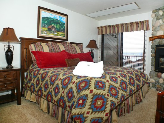 La Casa on the Mountain: La Casa Bedroom