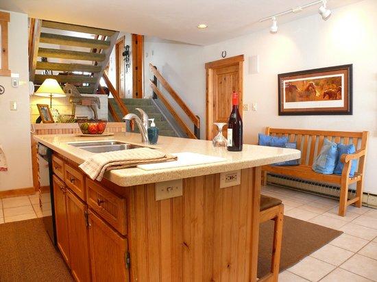 La Casa on the Mountain: La Casa Kitchen