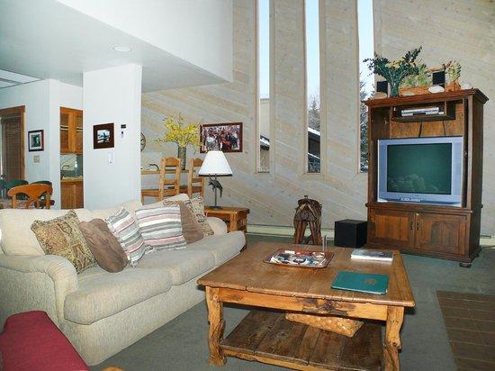 La Casa on the Mountain: La Casa Living Area with lots of windows