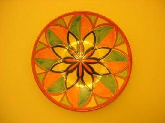 B&B Giovinazzo: The logo of the B&B is also the deco ceramics !