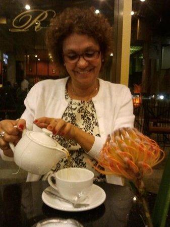 Holiday Inn Harare : Área de Café...ou chá.