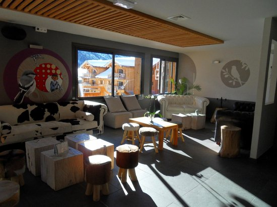 Anova Hotel & Spa : The bar area