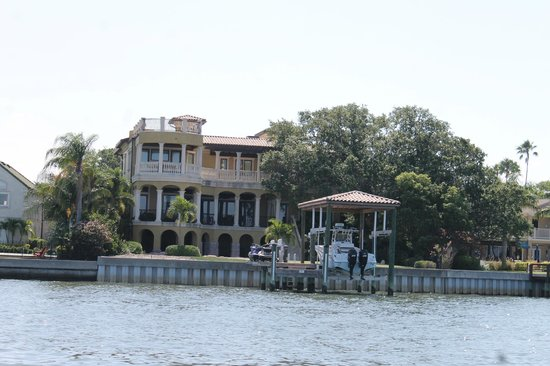 Tampa Water Taxi Company: Grand homes on Davis Island