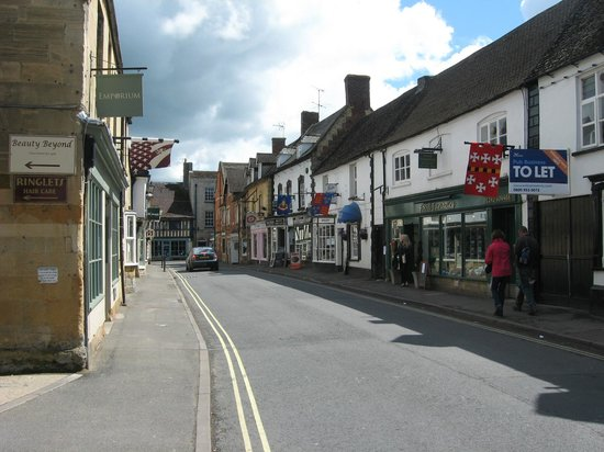 The Lion Inn: View from the street