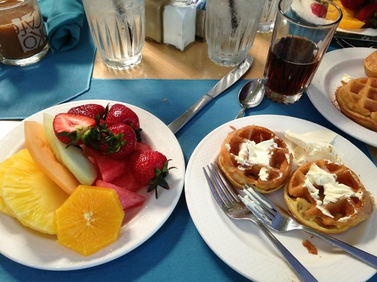 Hale Koa Hotel: Breakfast Buffet at Hale Koa's Koko Cafe