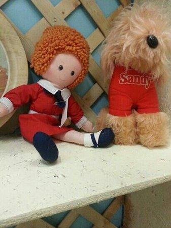 Collette's Vintage & Antique Mall: Annie!
