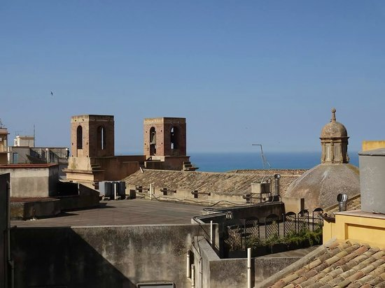 Rooftops - Picture of B&B Terrazze di Montelusa, Agrigento - TripAdvisor