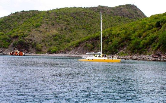 Blue Water Safaris: Snokeling near shipwreck - Excellent!