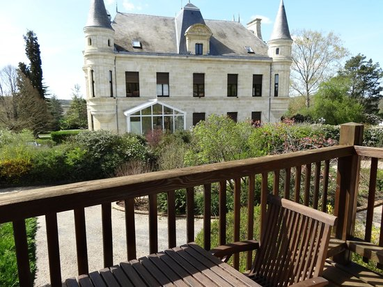 Chateau Camiac : Hotel from attached accommodation with deck