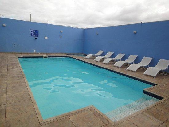 Pousada Laguna: La piscina