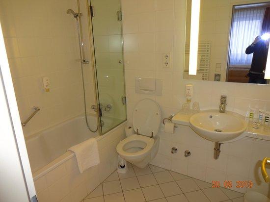 Hotel Mercure Muenchen Altstadt: Banheiro suíte standard