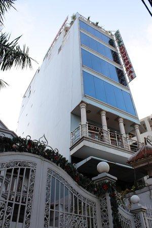 Huong Mai Hotel: ホテルの外観