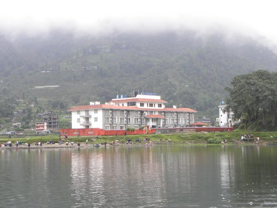 Waterfront Resort Hotel: Hotel view from the boat