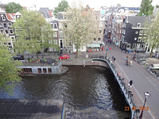Amsterdam Wiechmann Hotel: Vista do quarto 403