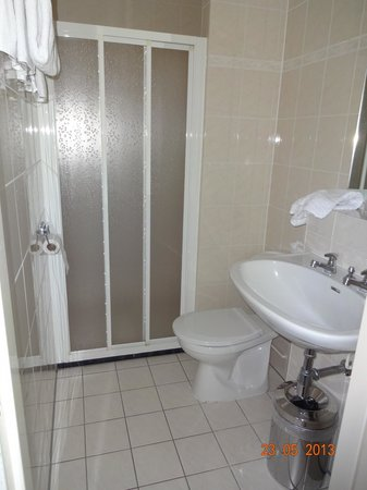 Amsterdam Wiechmann Hotel: Banheiro do quarto 403