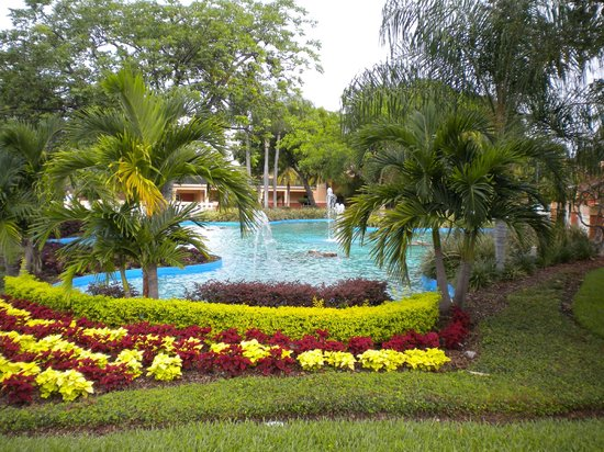 Wyndham Palm-Aire: Lake area