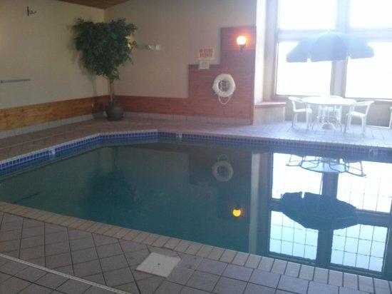 Kelly Inn Fargo: Pool