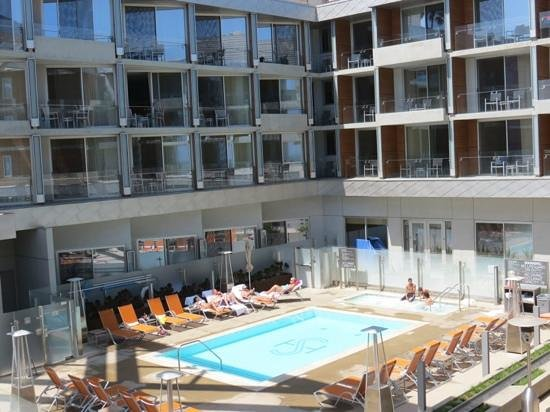 Shore Hotel: view of the pool area from our balcony