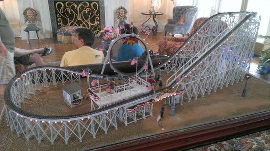 Disney's BoardWalk Inn: Roller coaster model in the Boardwalk lobby