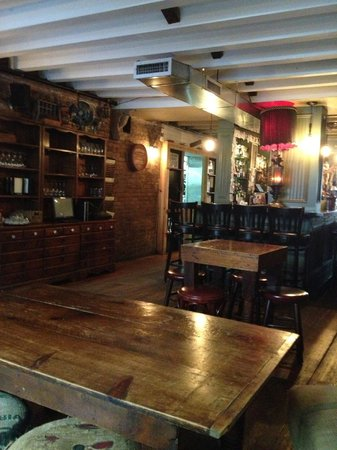 CK14 - The Crooked Knife at 14th Street : Like entering a warm friendly home