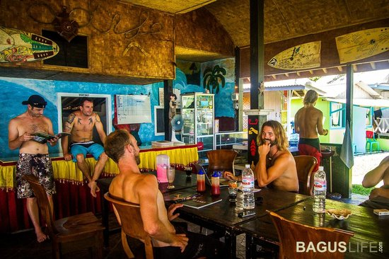 Paradise Surf Camp: Dining area