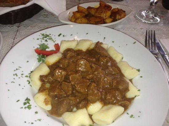 Anna's Polish Restaurant: Goulash