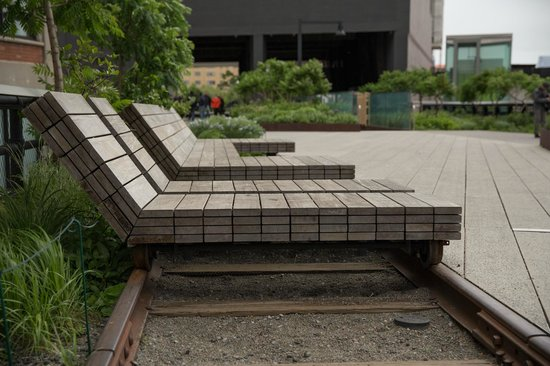unique lounge chairs. The High Line: Unique Lounge Chairs Connected To Old Tracks A