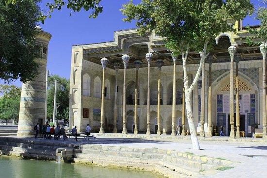 Bukhara, Uzbekistan: Bolo-Hauz Komplex