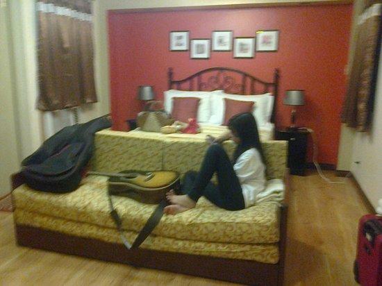 1775 Adriatico Suites: Master bedroom