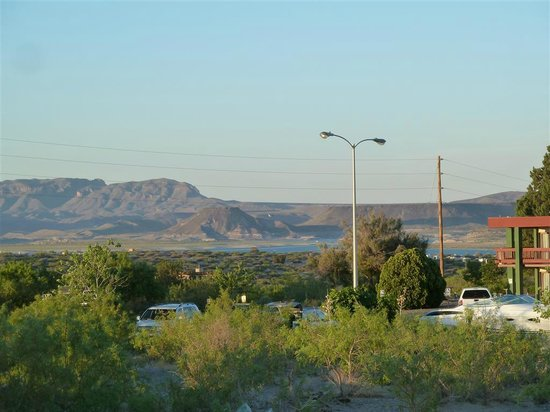 Elephant Butte Inn: View from pool