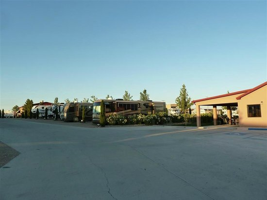 Elephant Butte Inn: RV Park