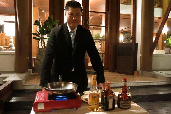 Le Crystal Restaurant: Assistant Restaurant Manager (Khun Lek)