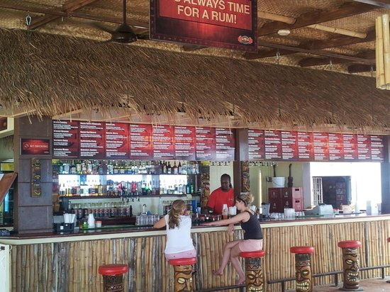 Worthing, Barbados: The Bar