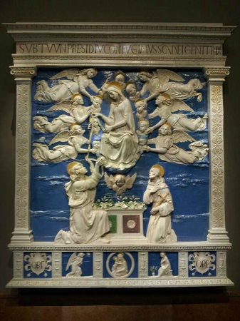 "Liebieghaus : Andrea della Robbia   Altar der Himmelfahrt Mariae ""Madonna della Cintola"""