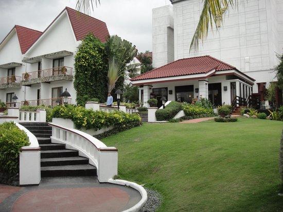 Thunderbird Resorts - Rizal: the hotel