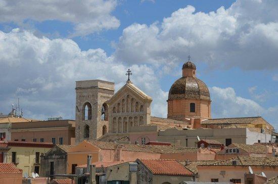 """Torre dell'Elefante : Une vus sur la """"Catedrale Santa Maria"""""""