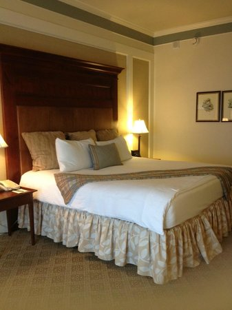 Omni Barton Creek Resort & Spa: My 2nd room  request - Room 341 - a normal King room