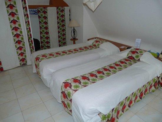 Le pelican du saloum hotel voir les tarifs des chambres for Hotel du collectionneur nombre de chambres