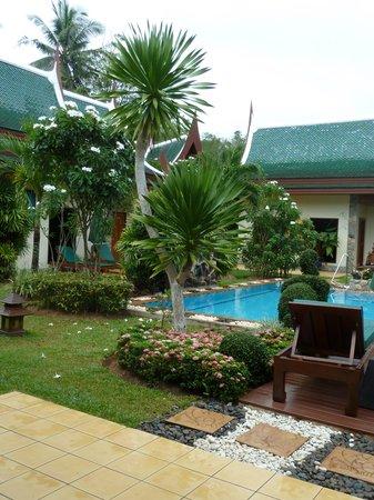 Baan Malinee Bed and Breakfast: courtyard