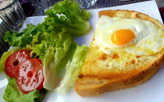 Cafe de l'Hotel de Ville: Croque Madame