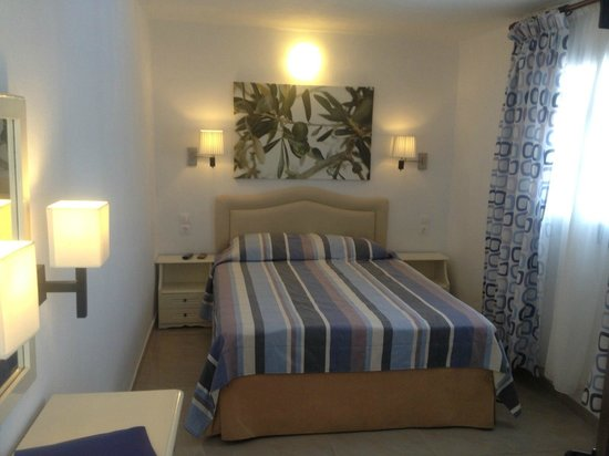 Villa Apollon Skiathos: A Double Bedroom