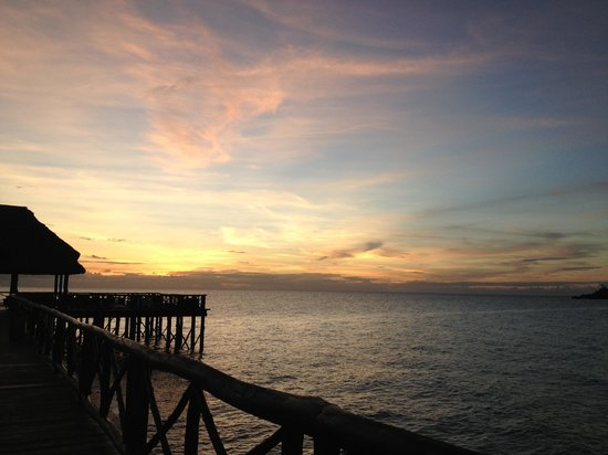 Sea Cliff Resort & Spa: Sunset from the pier