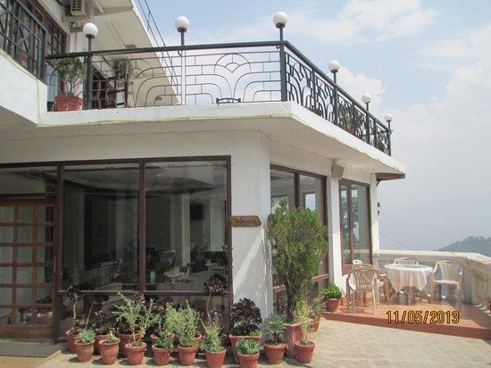 Hotel Nand Residency: restaurant