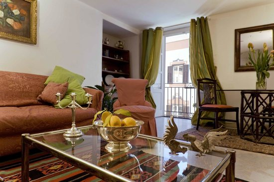 Palazzo Lungarini Bed and Breakfast: B&B stanza comune/living room