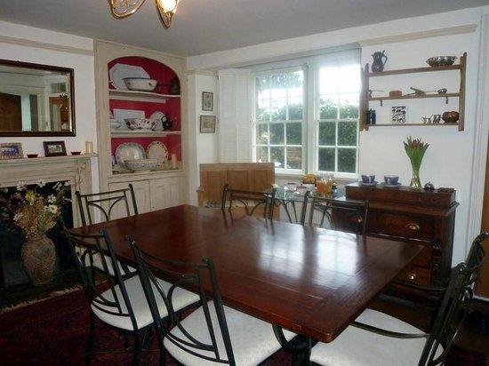 Manor Cottage Bed & Breakfast: Dining room